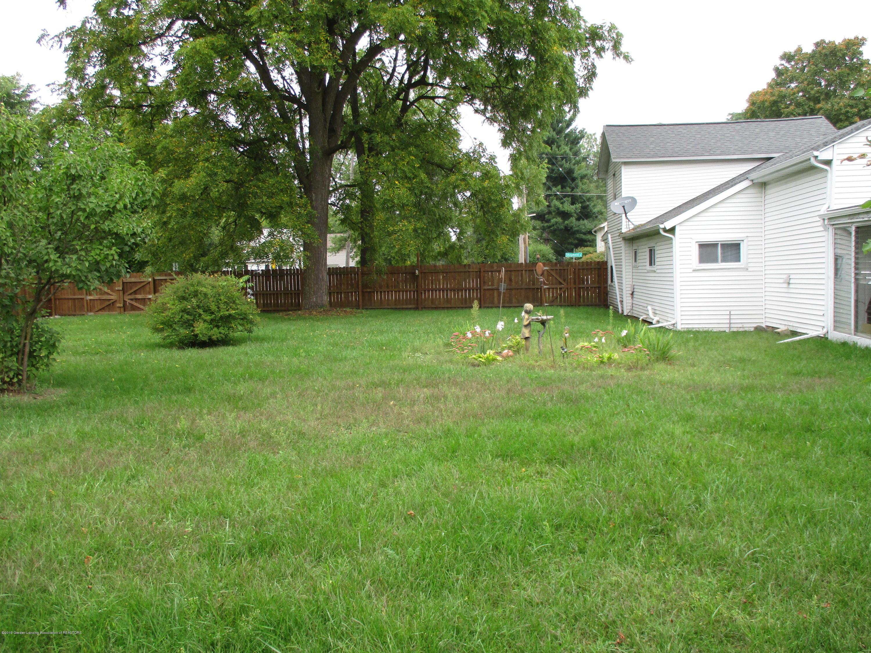 413 W Shepherd St - 17 Backyard - 17