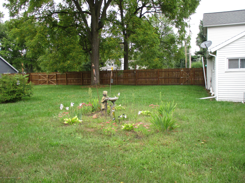 413 W Shepherd St - 18 Garden back yard - 18