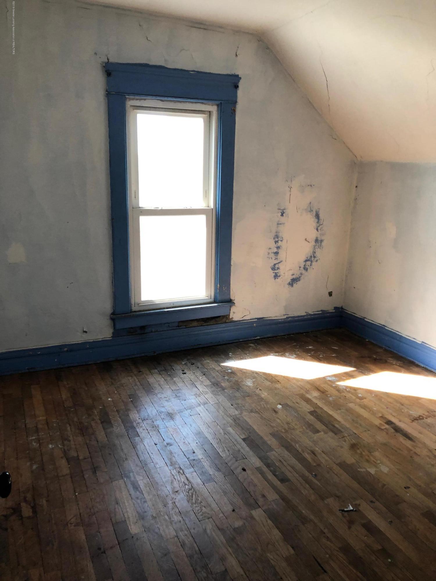 726 W Willow St - Bedroom - 6