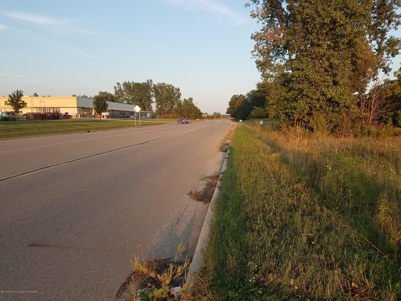 1347 E Townsend Rd - Road - 4