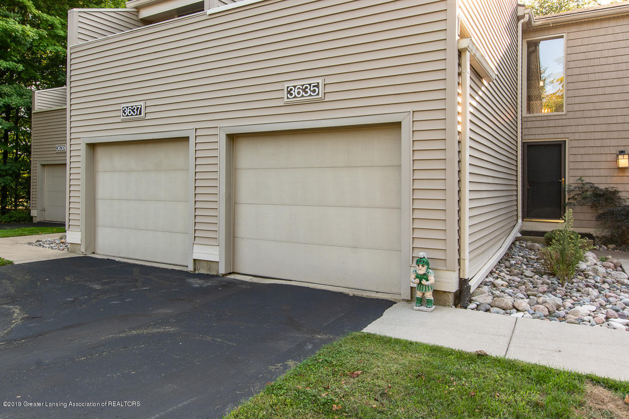 3635 E Meadows Ct 38 - 001-3635 E Meadows Ct Okemos -Medium - 1