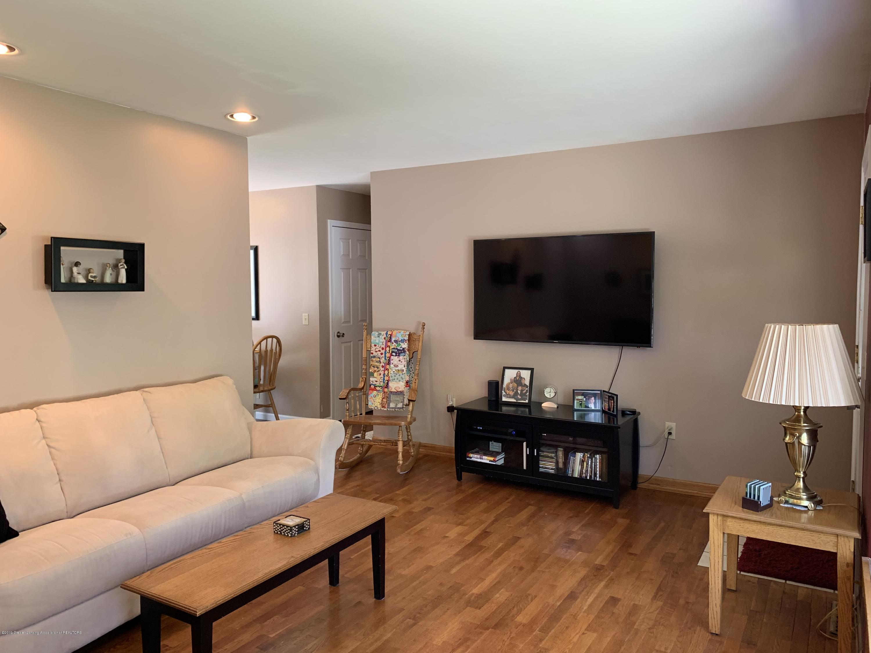 2084 Jefferson St - Living Room - 6