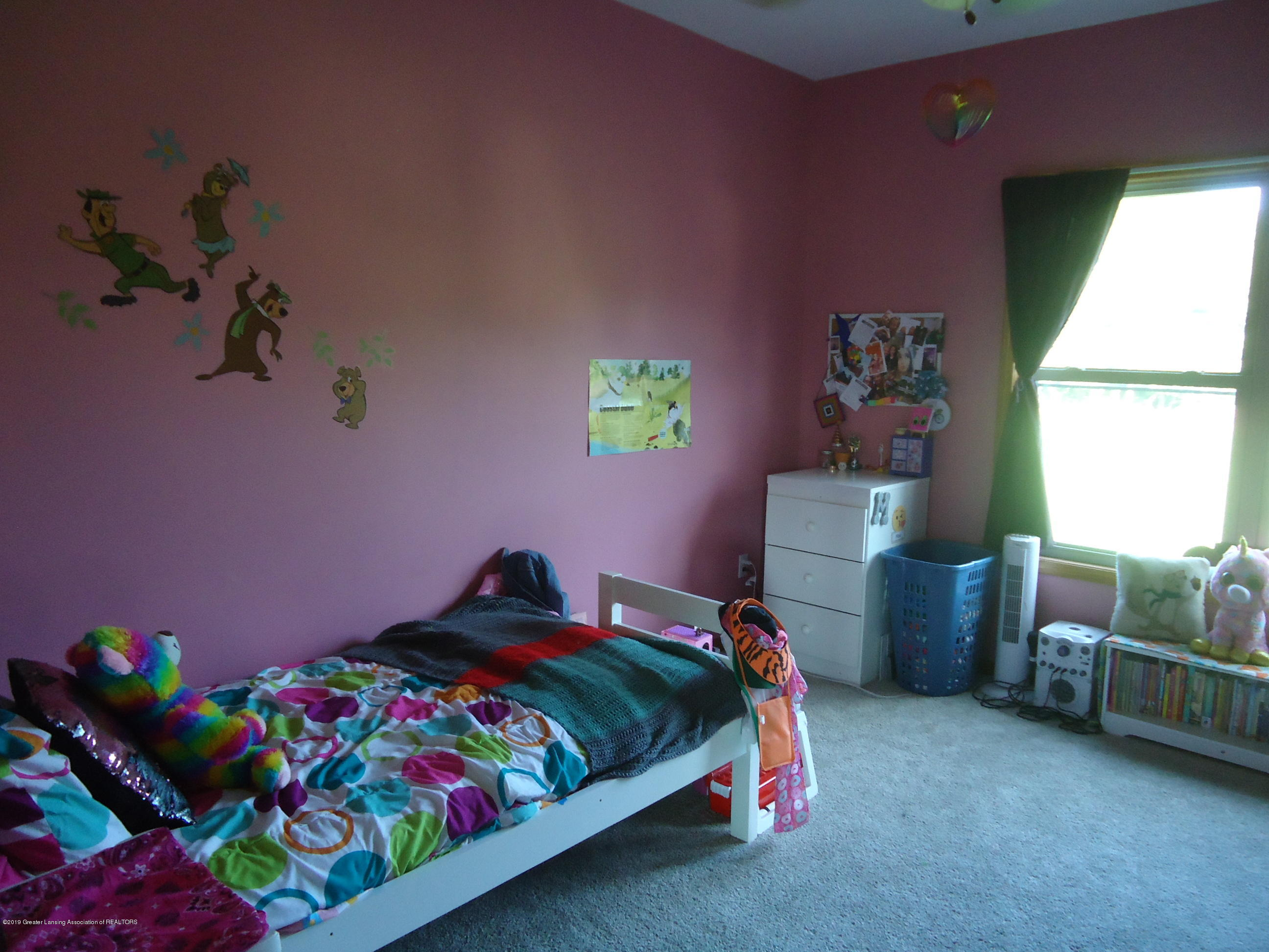2881 Victoria Ln - 12 bedroom 2 - 12