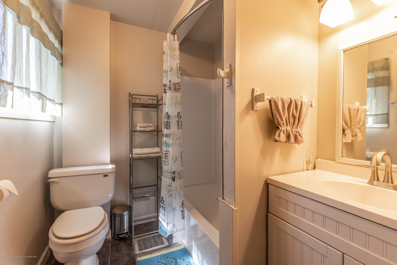607 E Baldwin St - Bathroom - 15