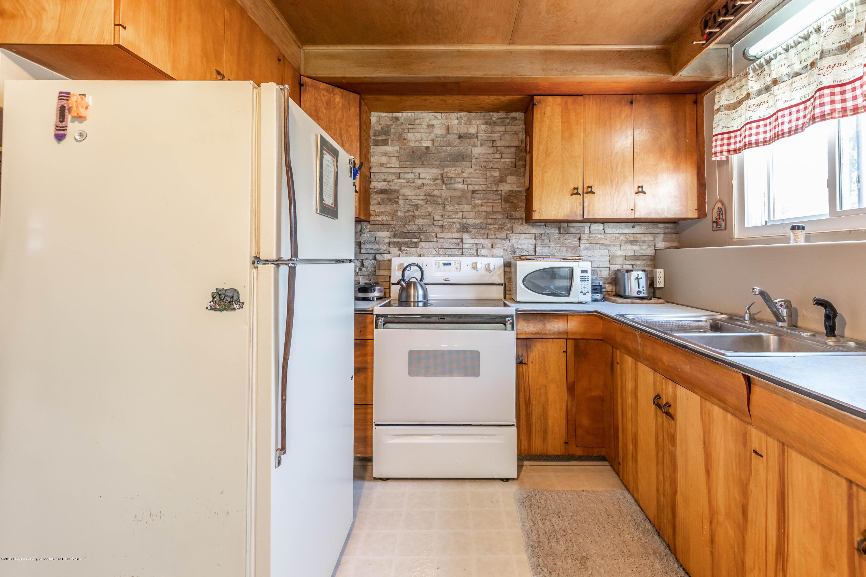 607 E Baldwin St - Kitchen - 7