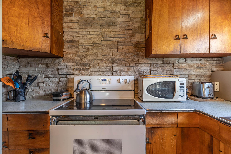 607 E Baldwin St - Kitchen - 9
