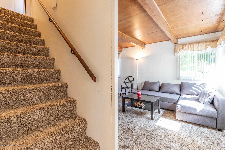 607 E Baldwin St - Living Room - 18