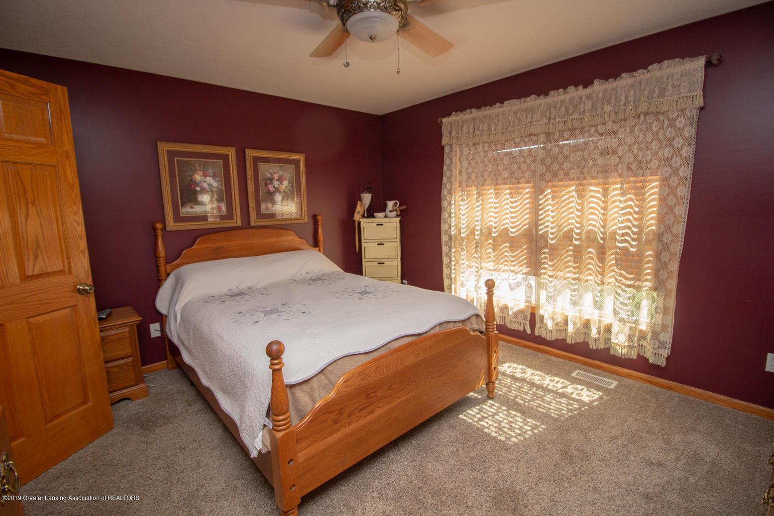 2021 Secretariat Ln - Master bedroom - 10