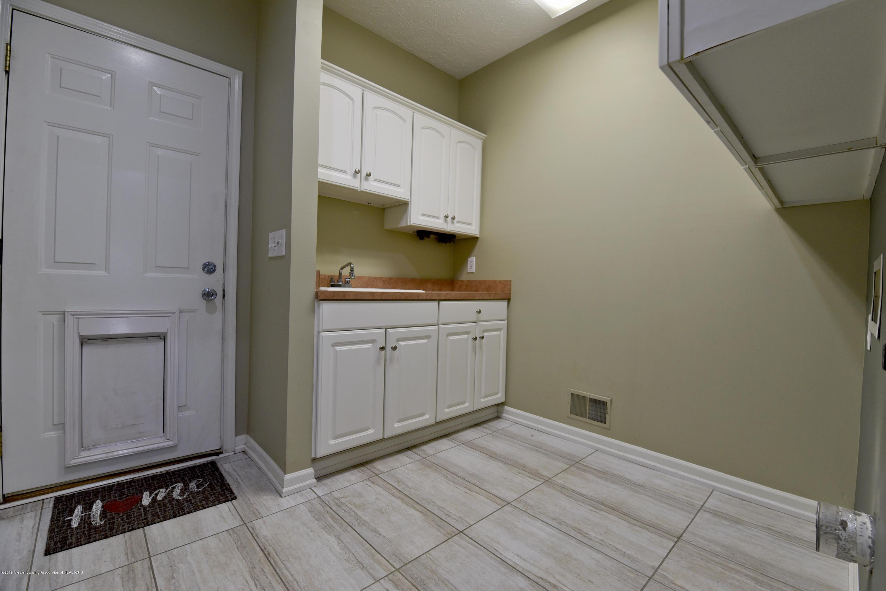 3300 Hollow Spring Dr - First floor laundry - 23