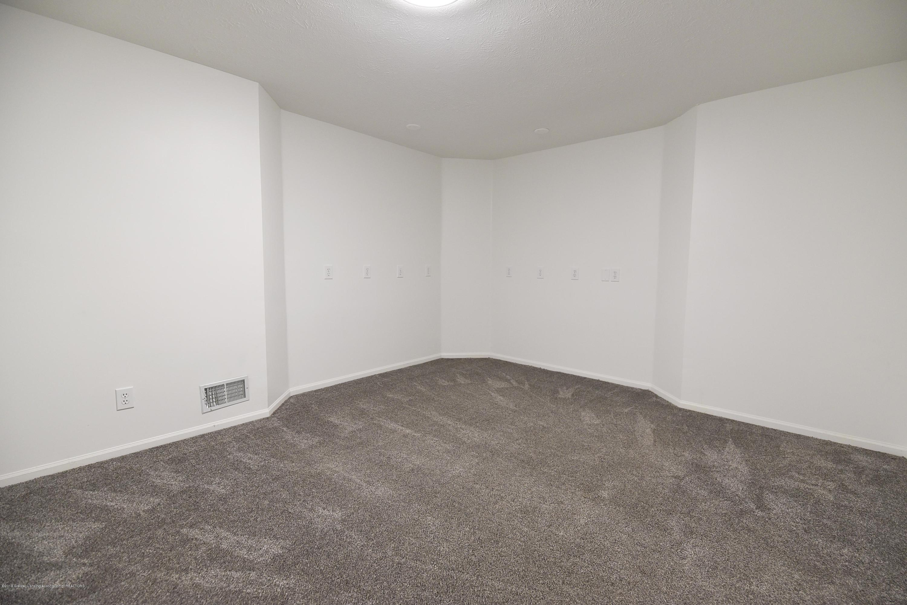 3300 Hollow Spring Dr - Lower level large office - 33