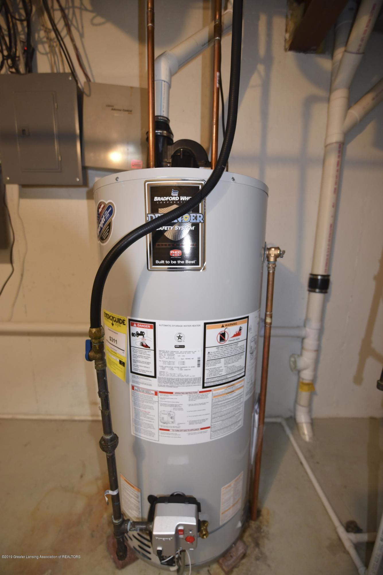 3300 Hollow Spring Dr - New water heater - 41