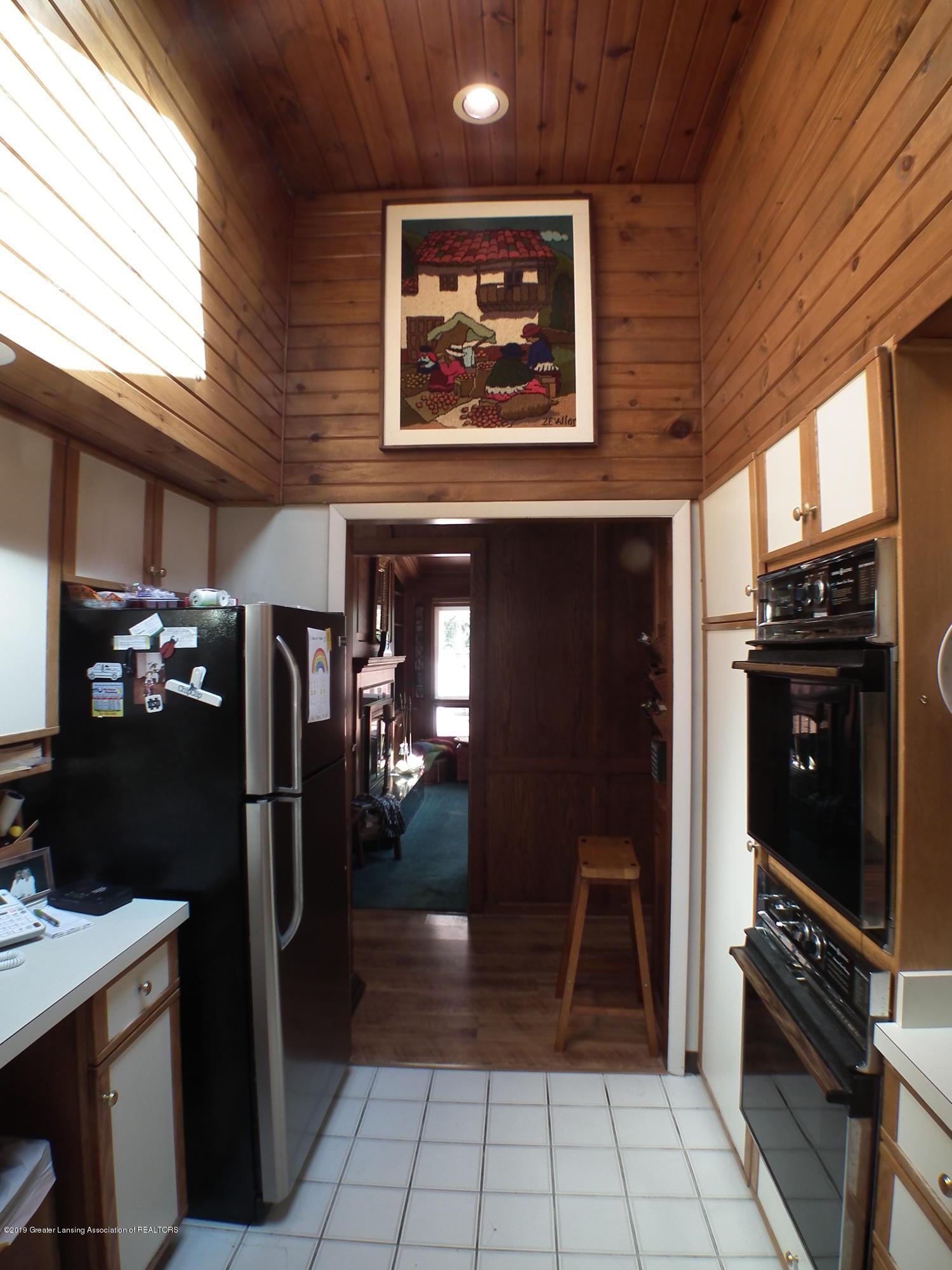 5600 Grand River Dr - Kitchen 1 e - 14