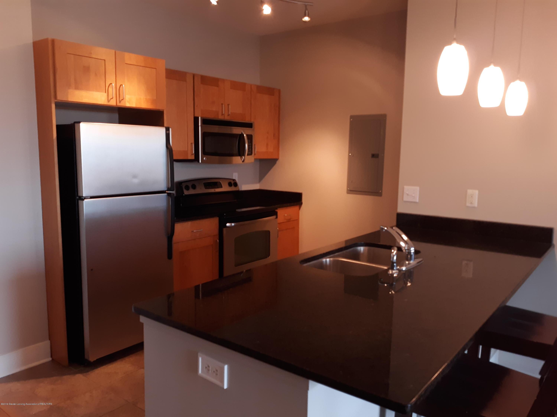 500 E Michigan Ave 407 - Kitchen - 4
