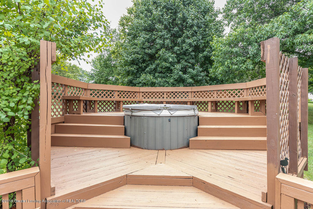 4215 Whitby Ln - Hot tub area - 6