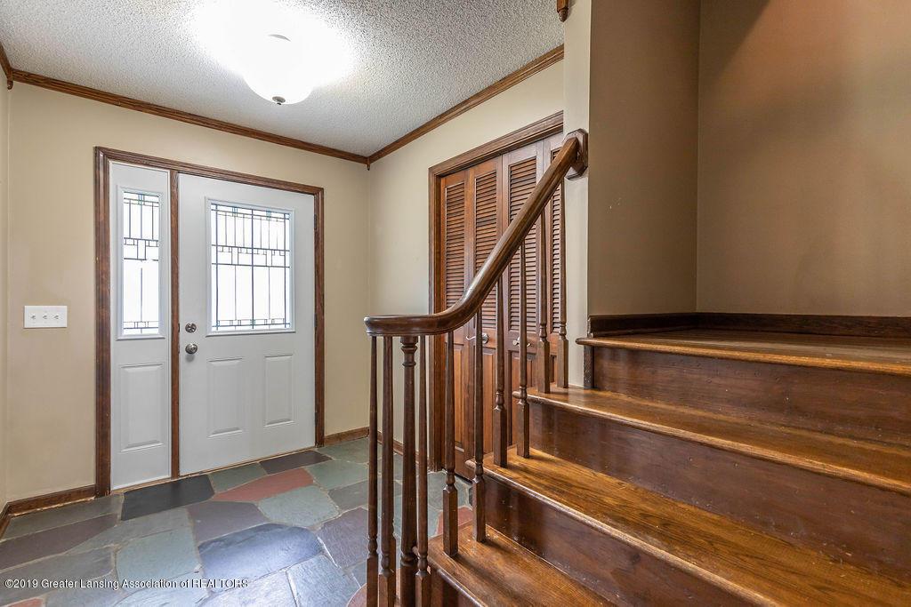4215 Whitby Ln - foyer - 8
