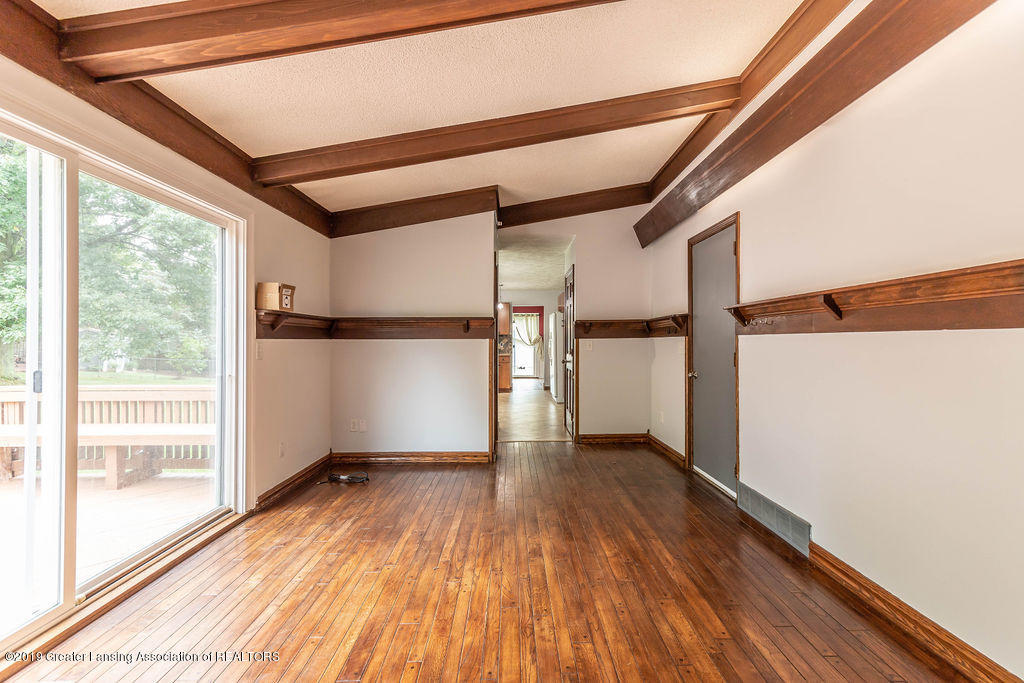 4215 Whitby Ln - More living area - 11
