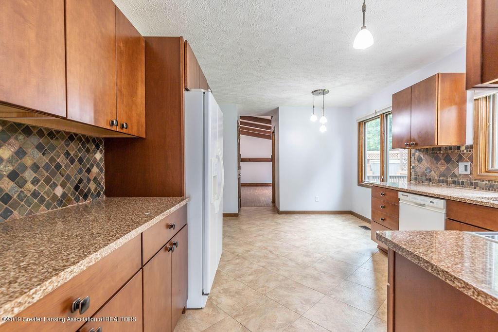 4215 Whitby Ln - Kitchen - 14