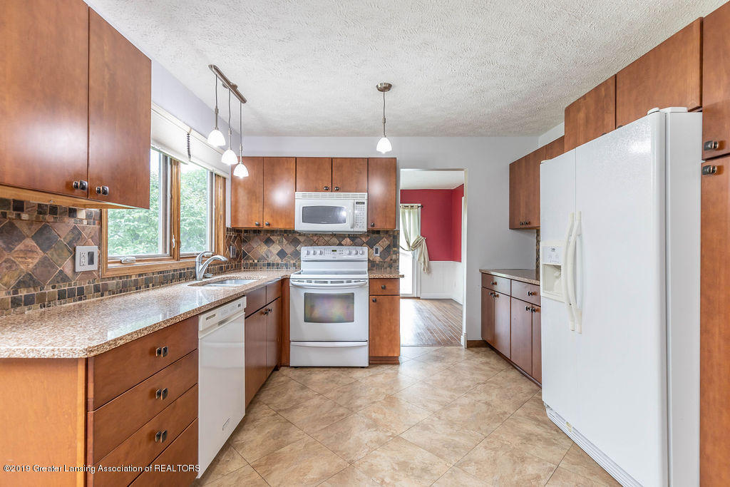4215 Whitby Ln - Kitchen - 18