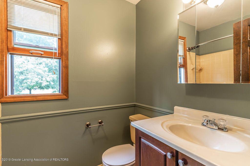 4215 Whitby Ln - second floor bath - 26