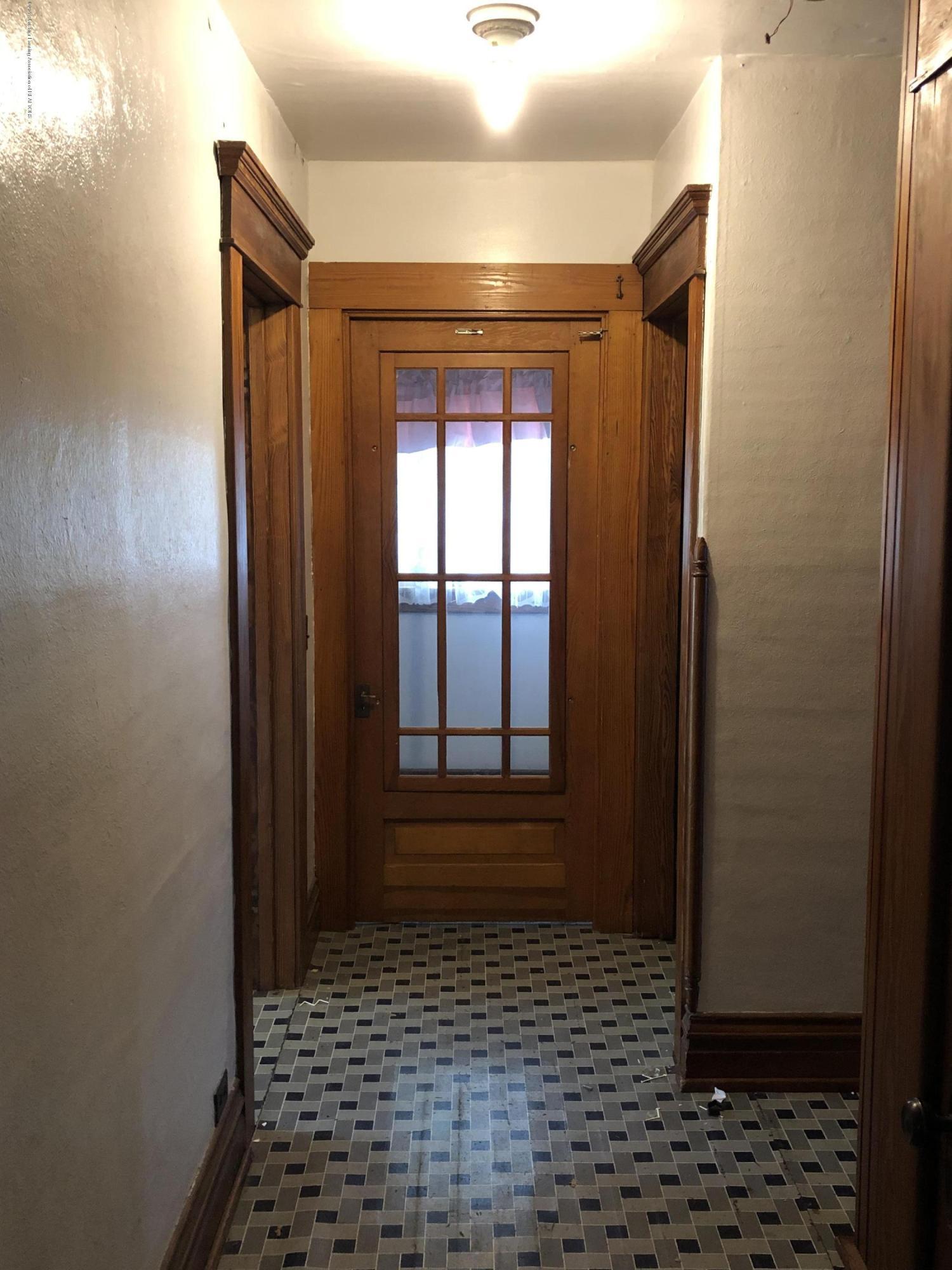 6748 W Beard Rd - 2nd floor hallway - 22