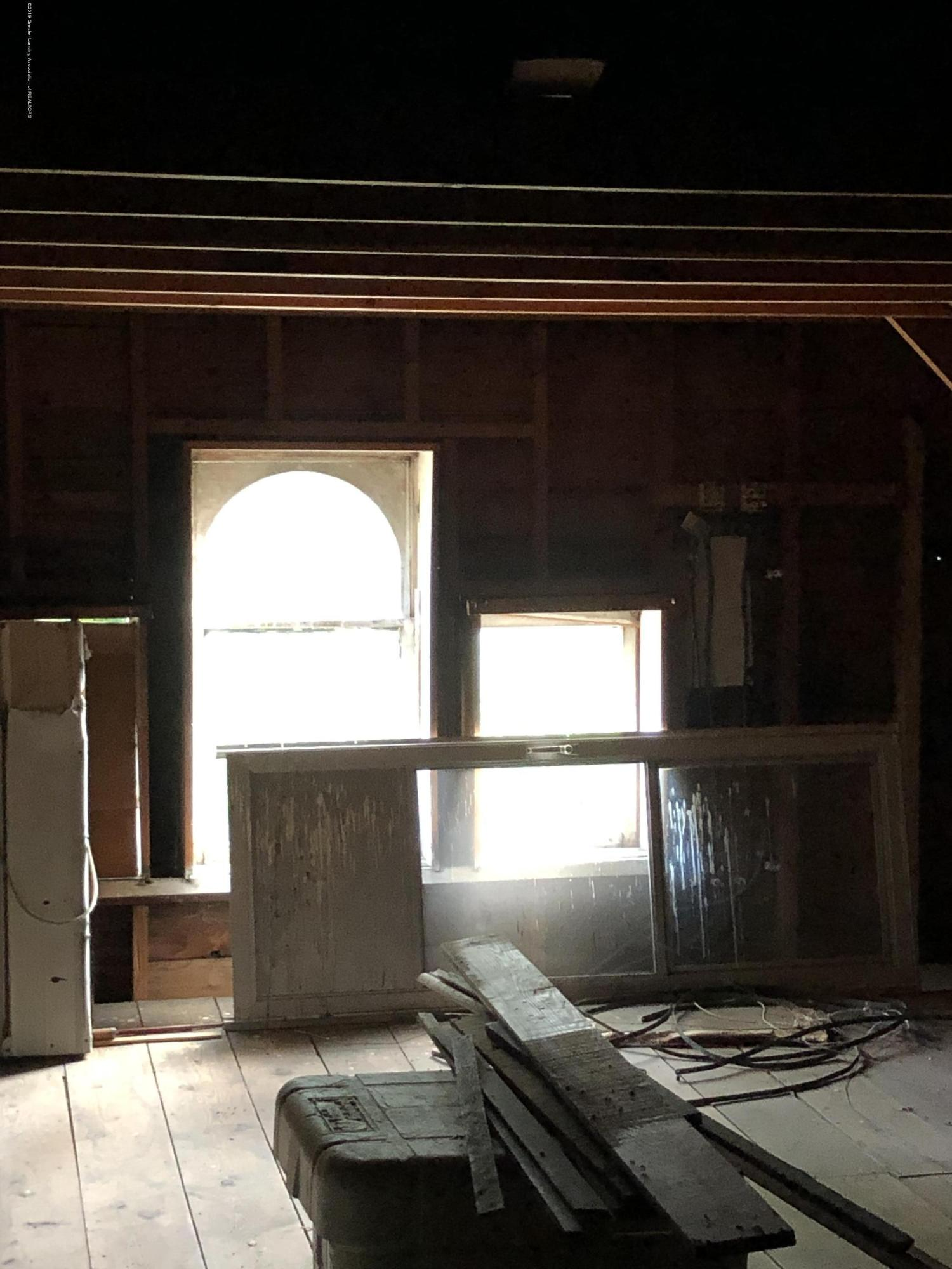 6748 W Beard Rd - 3rd floor attic - 32