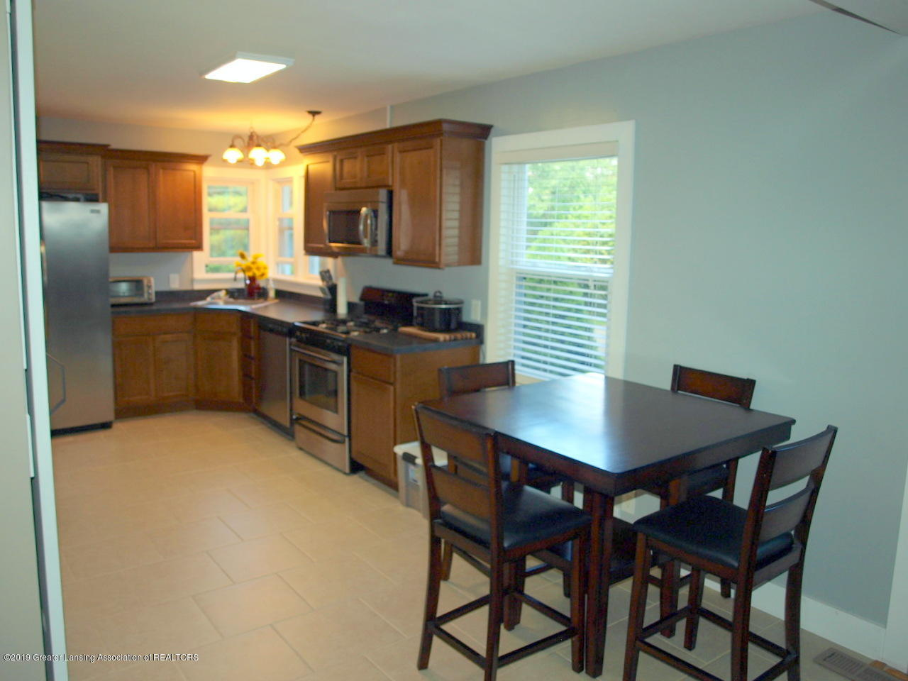 6070 E Clark Rd - kitchen - 14