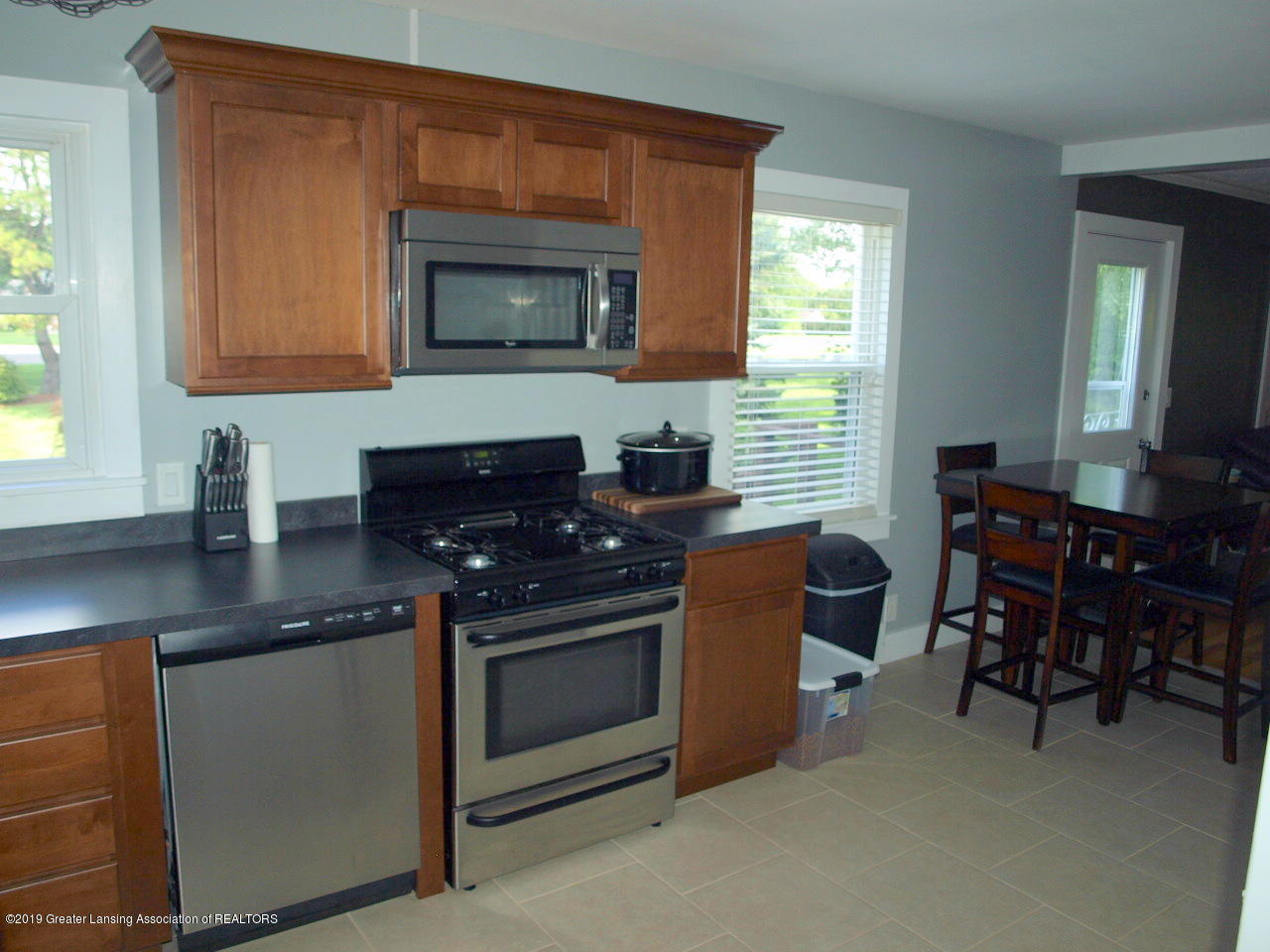 6070 E Clark Rd - kitchen - 18