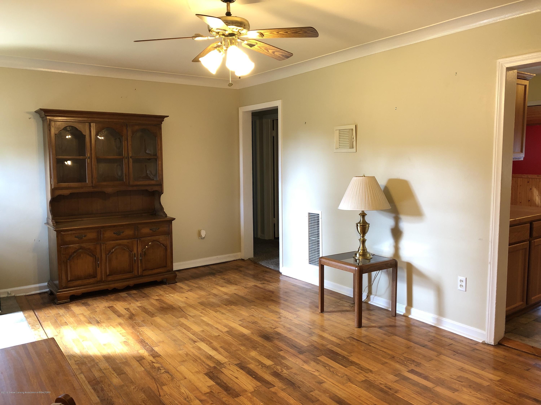 9934 Winegar Rd - Living room - 3