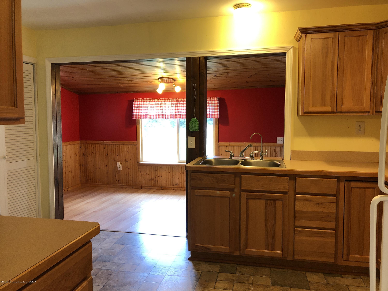 9934 Winegar Rd - Kitchen - 4