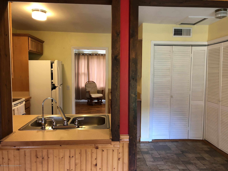 9934 Winegar Rd - Kitchen - 6