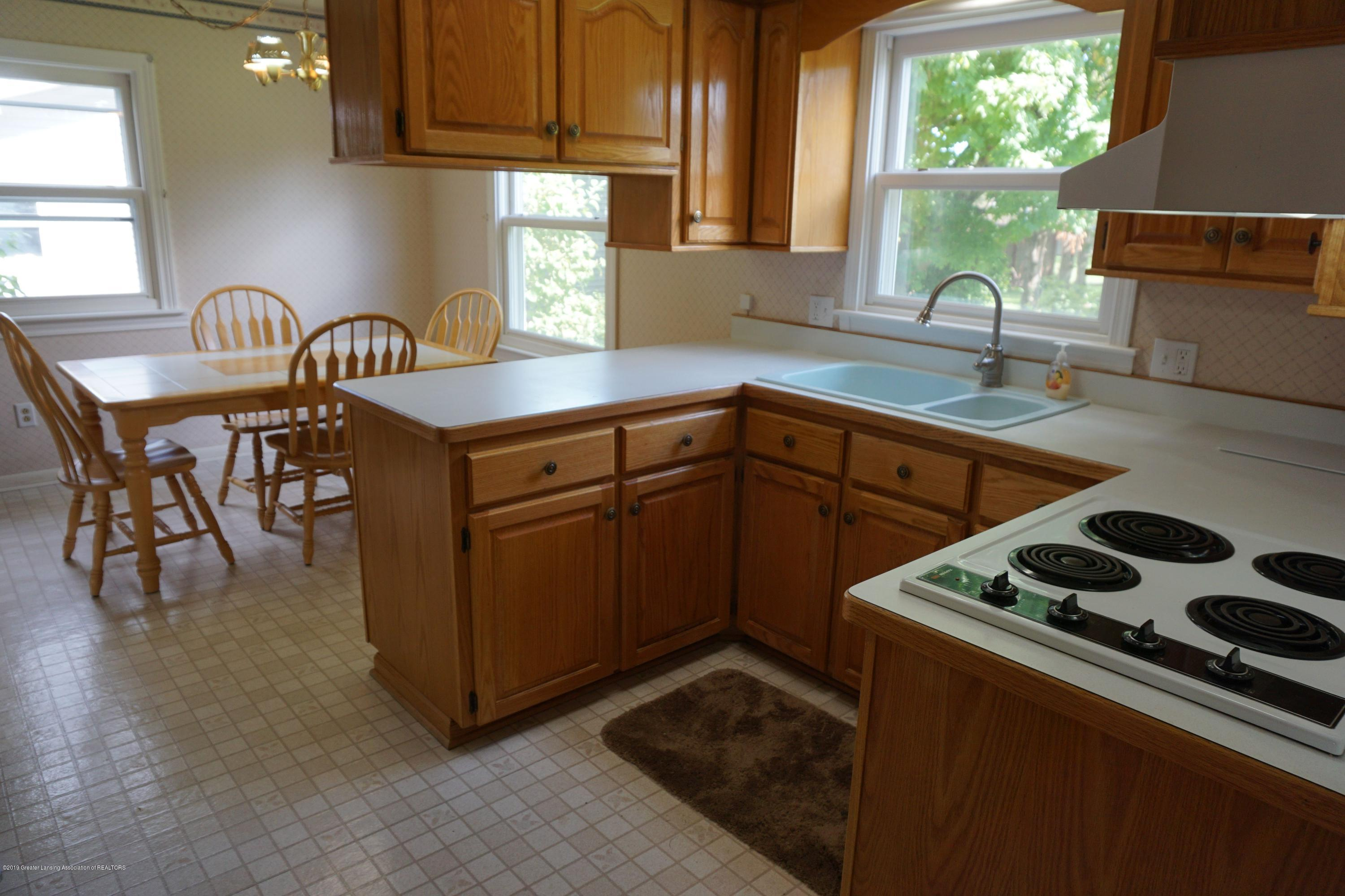 809 S Lansing St - Updated Cabinetry! - 5