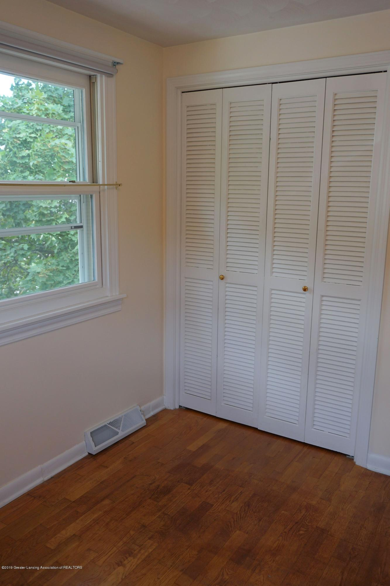 809 S Lansing St - Bedroom #3 Closet - 26
