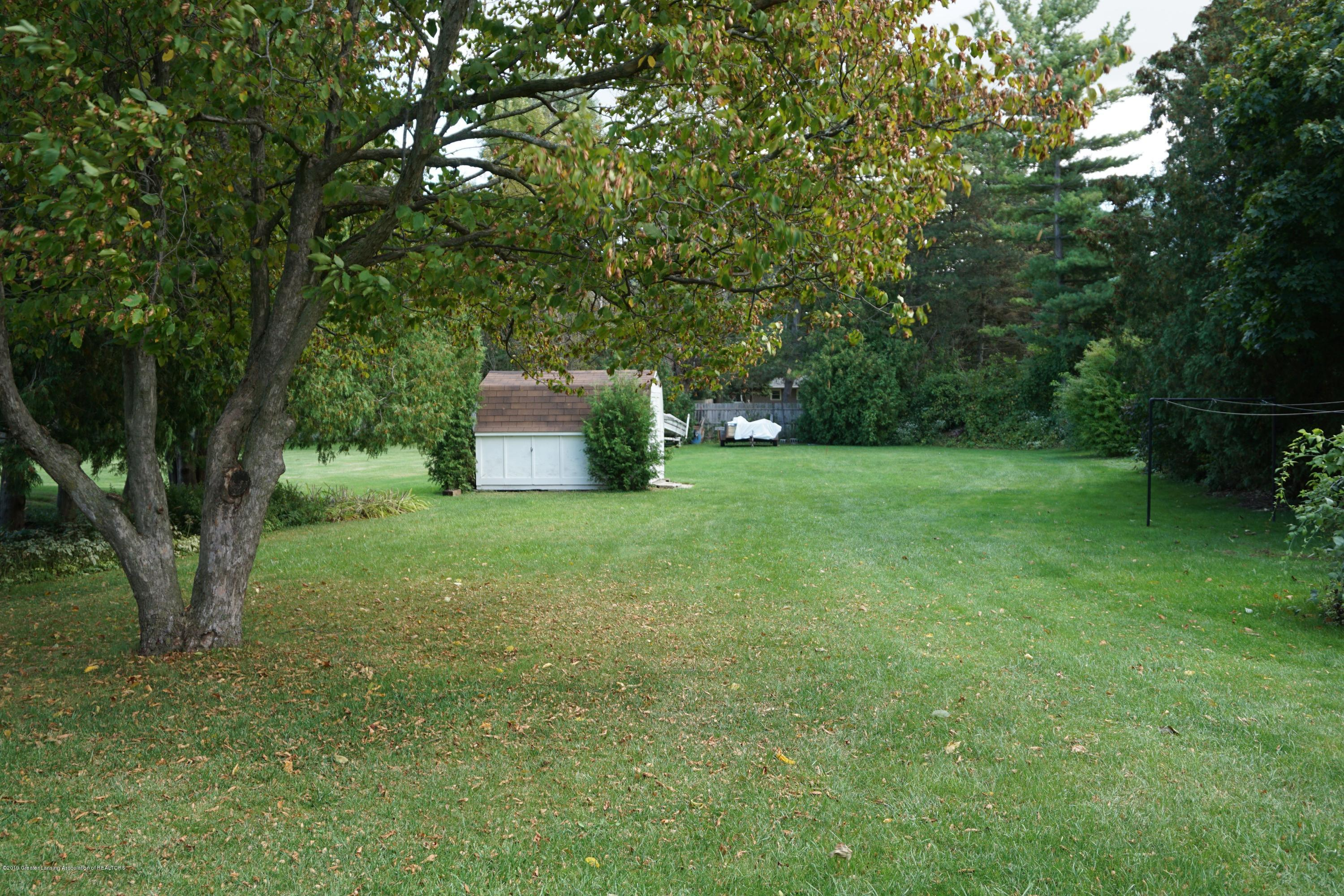 809 S Lansing St - Mature Trees for Privacy - 30