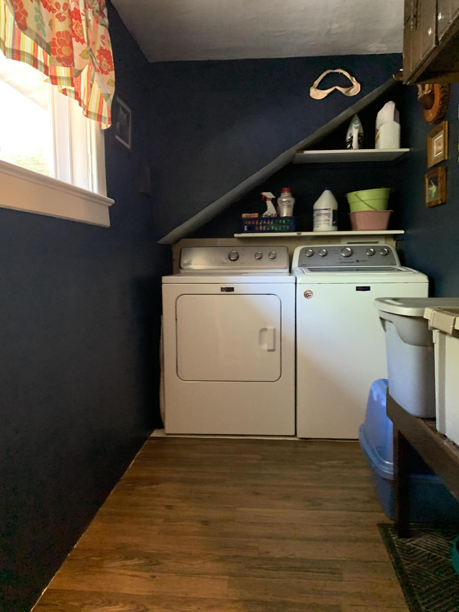5823 High St - Laundry  Room - 14