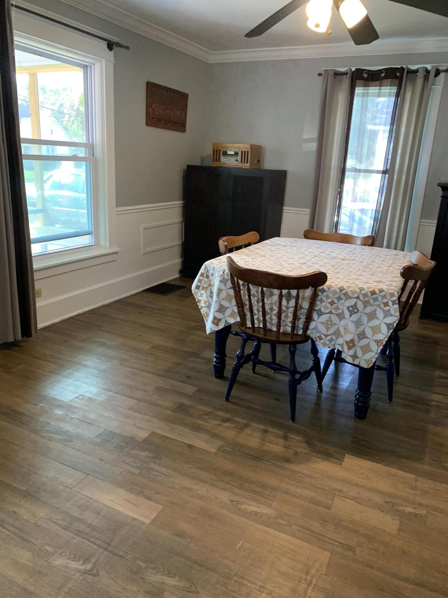 5823 High St - Dining Room - 8