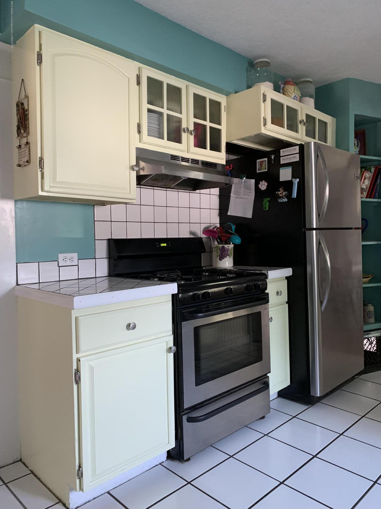 5823 High St - Kitchen - 6