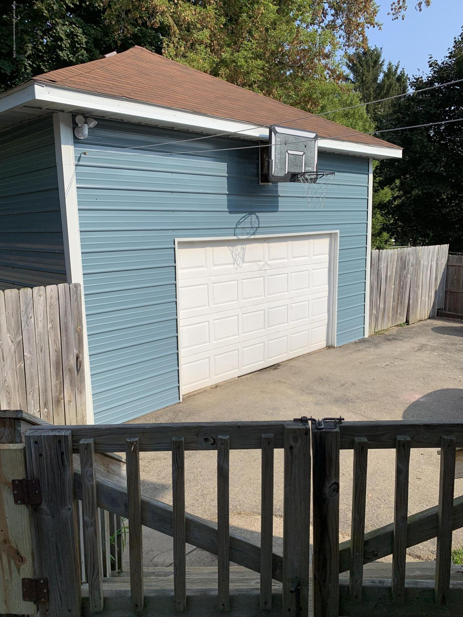 5823 High St - Garage - 3