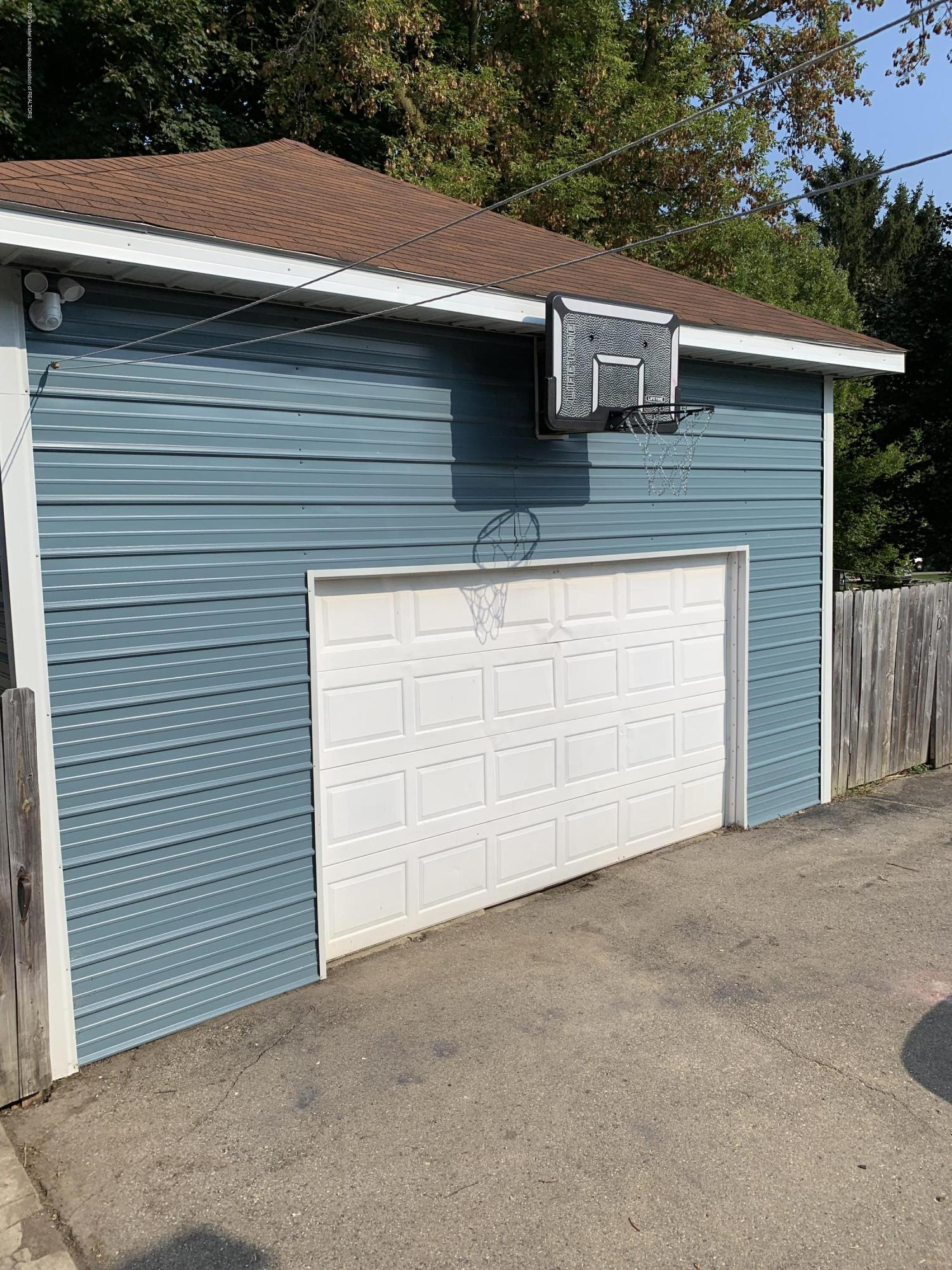 5823 High St - Garage - 37