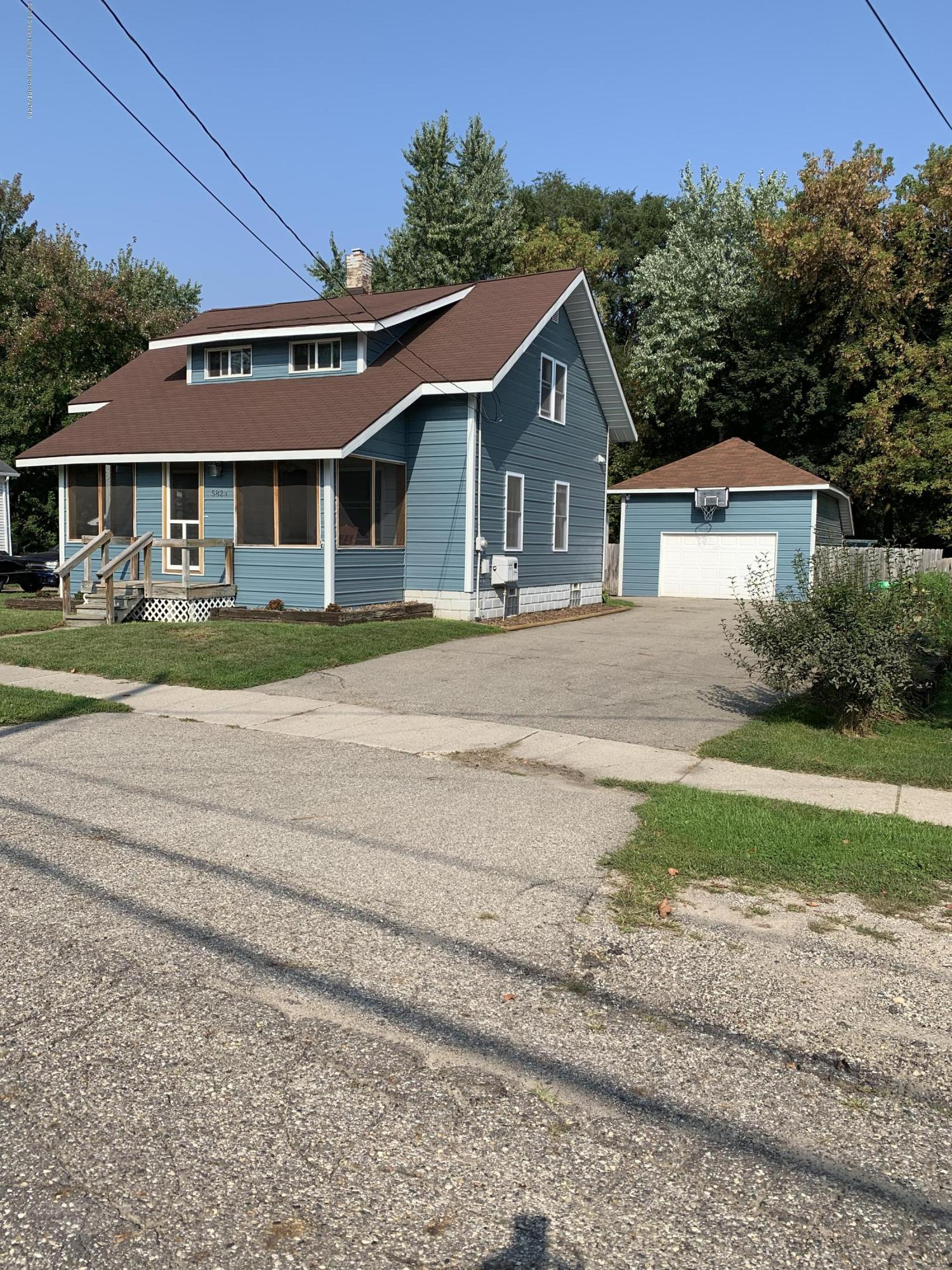 5823 High St - Front - 2