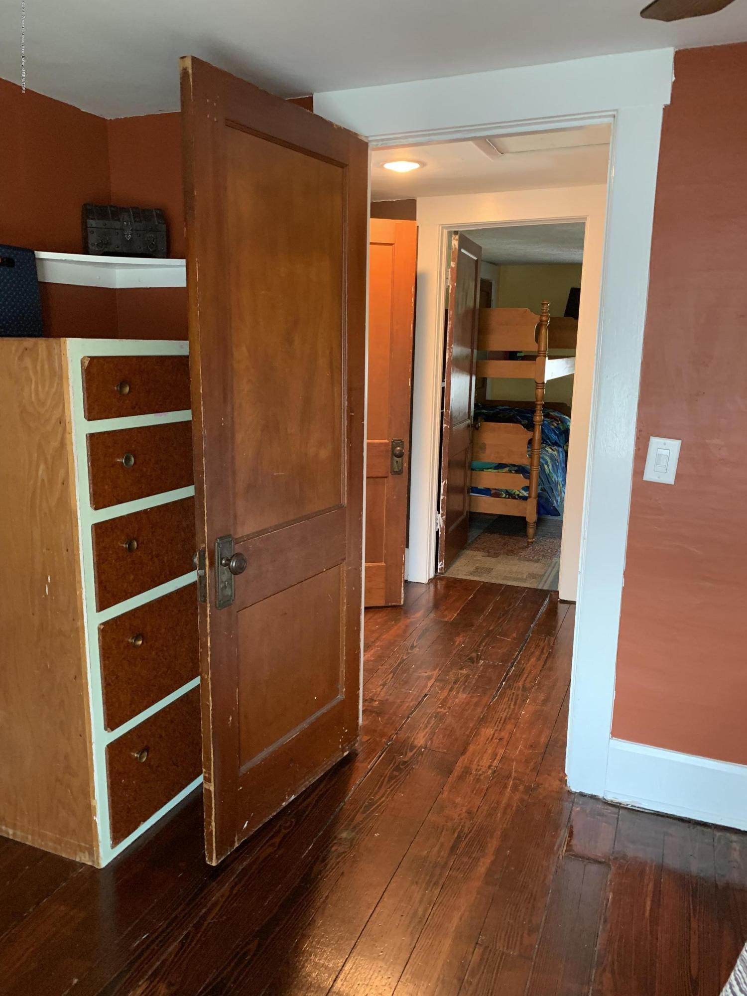 5823 High St - Bedroom - 19