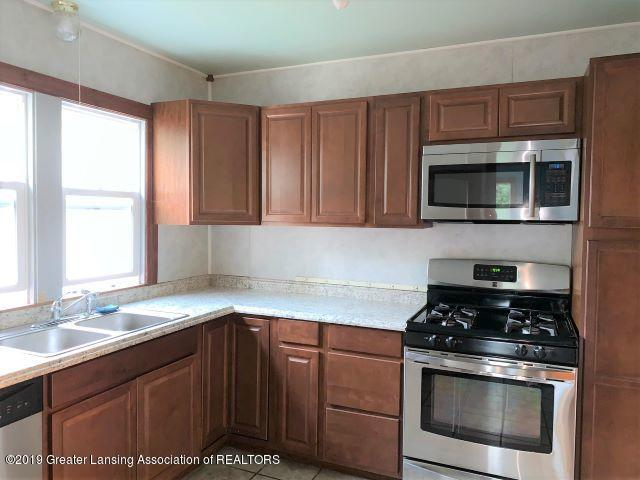 619 N Foster Ave - Kitchen - 5