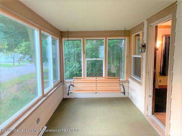 619 N Foster Ave - FrontPorch - 2