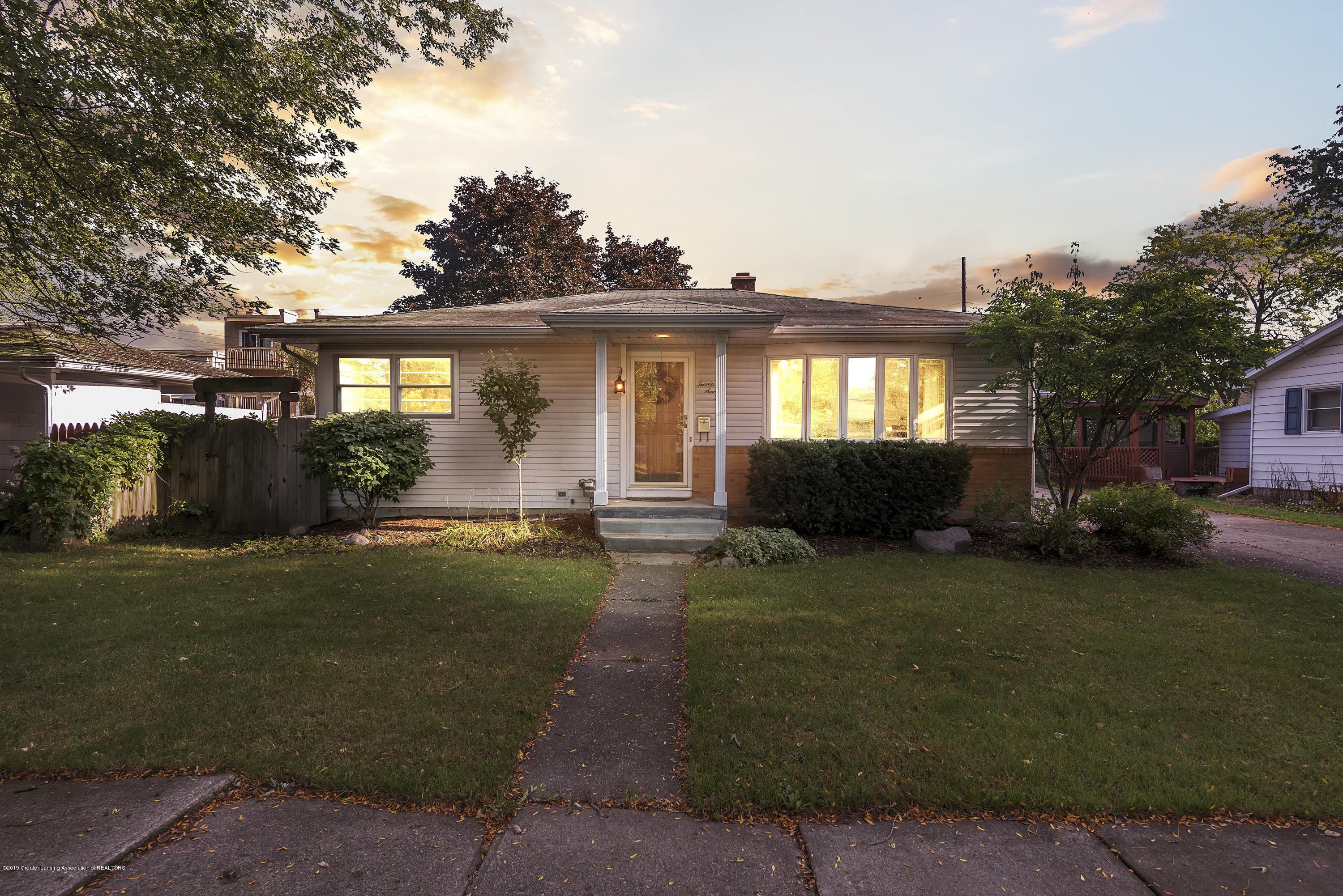 2710 Wilson Ave - Front - 1