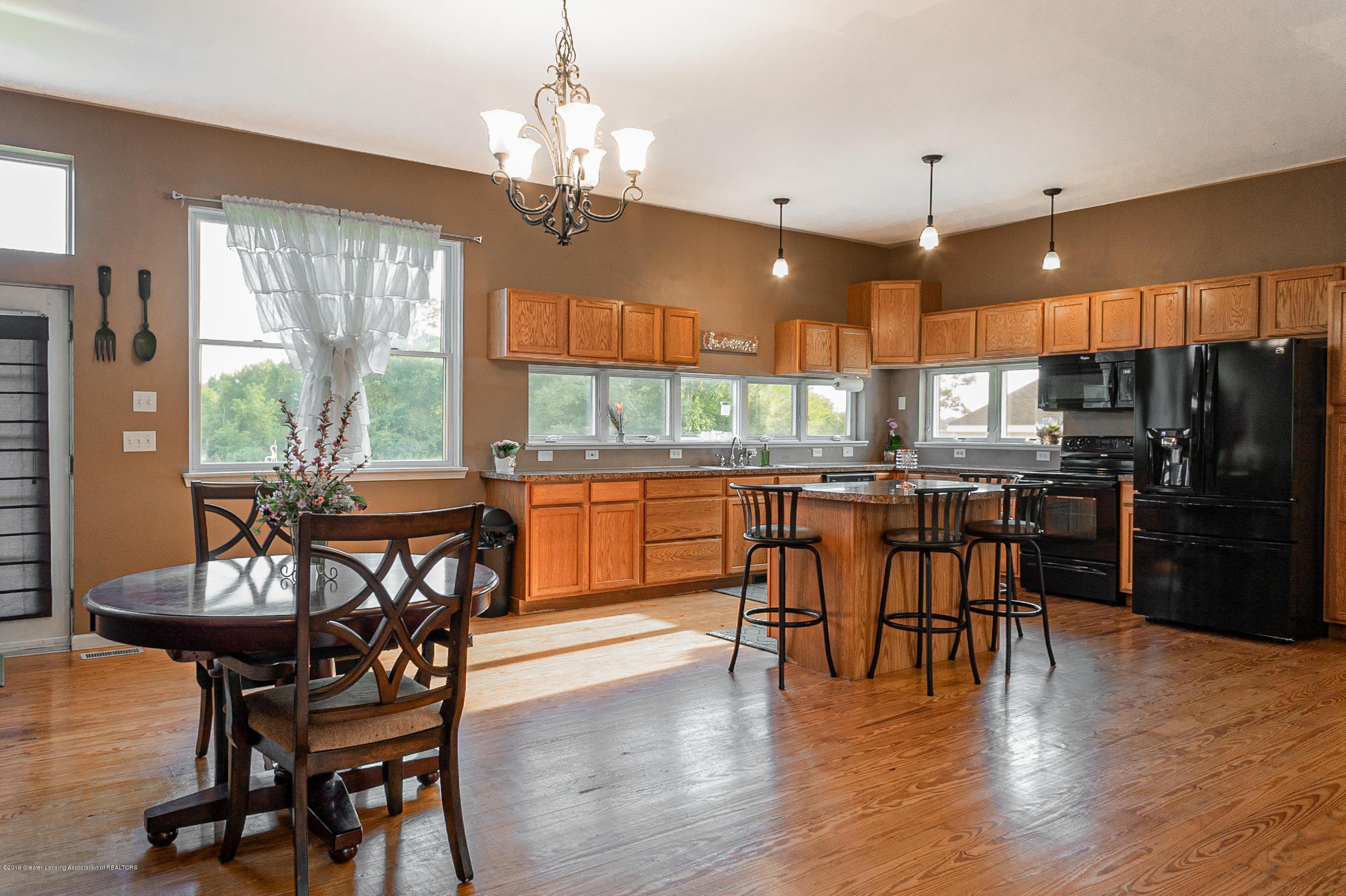 3220 Baseline Rd - Dining Room/Kitchen - 7