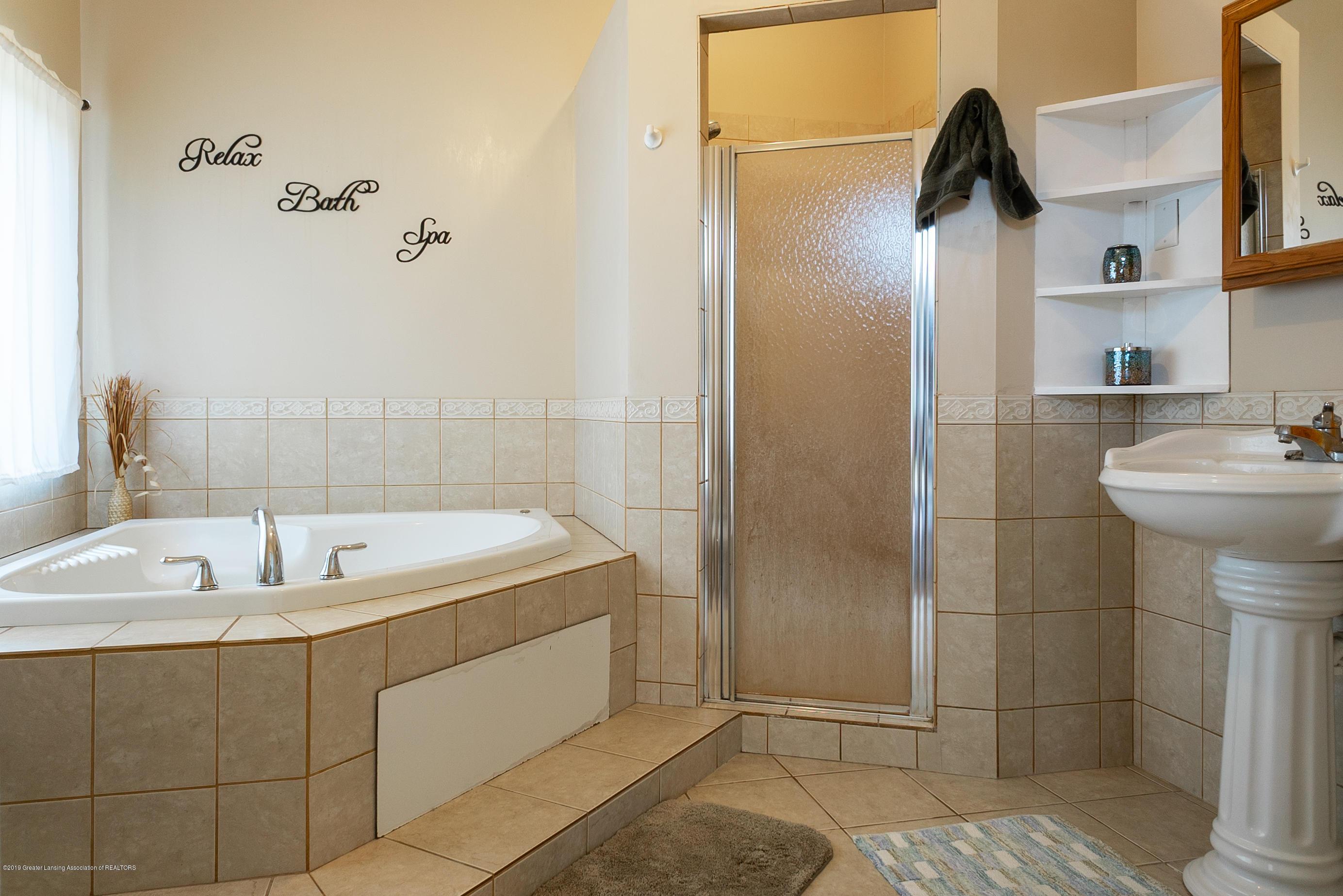 3220 Baseline Rd - Master Bathroom - 14