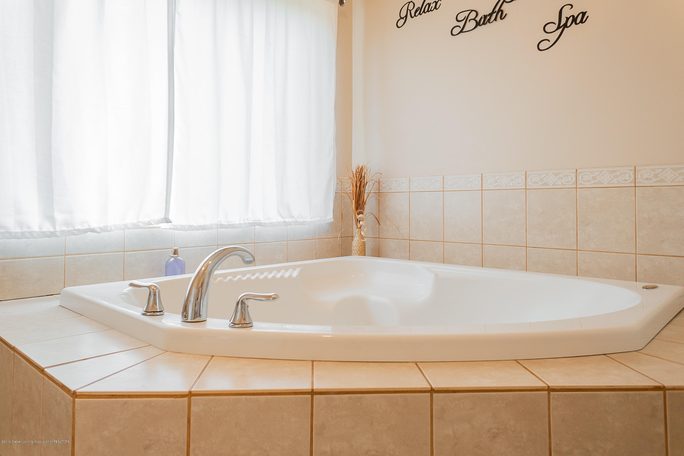 3220 Baseline Rd - Master Bathroom - 15
