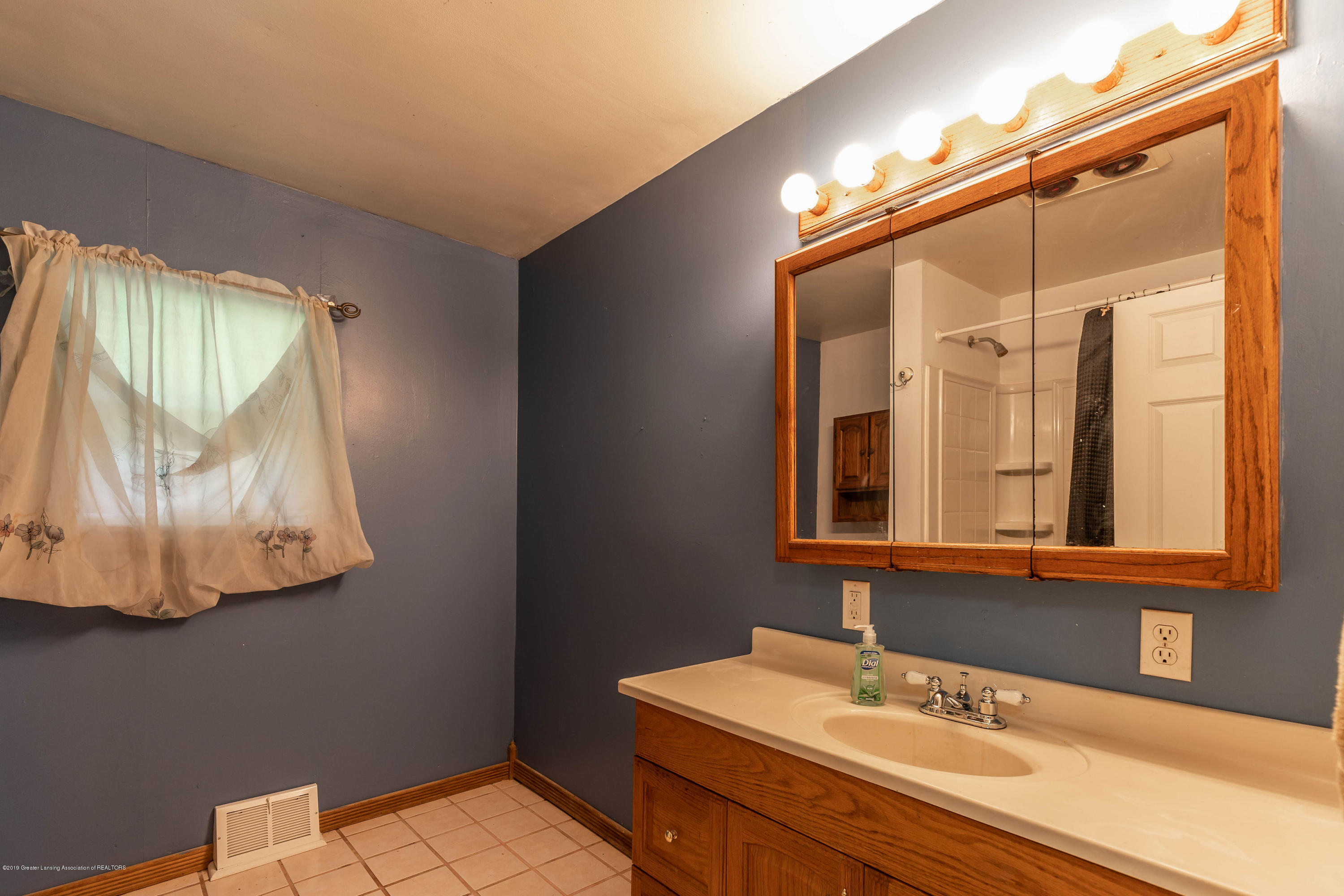 6569 S Stine Rd - bakerusbath(1of1) - 22