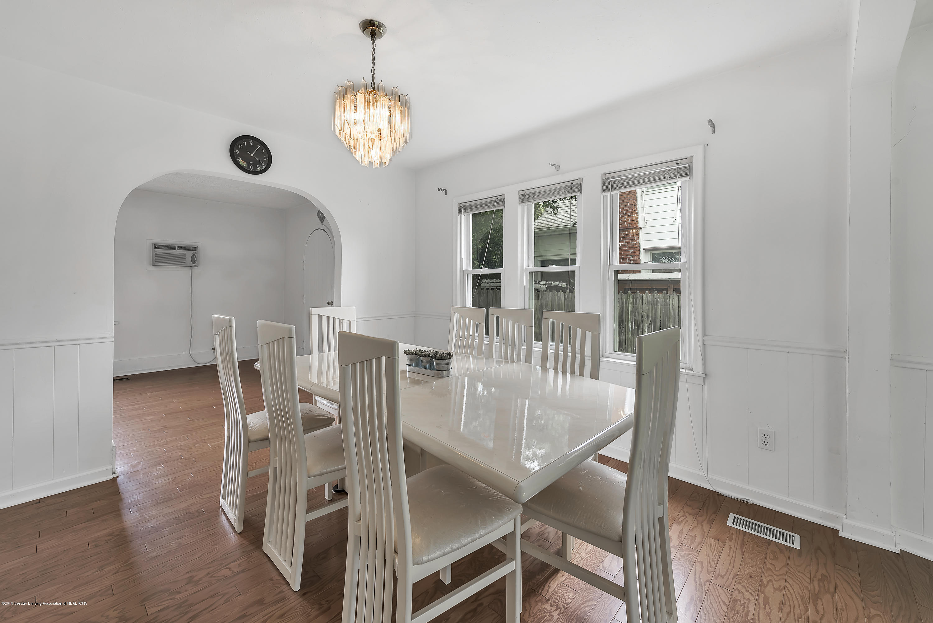 4858 Hillcrest Ave - Dining Room - 17
