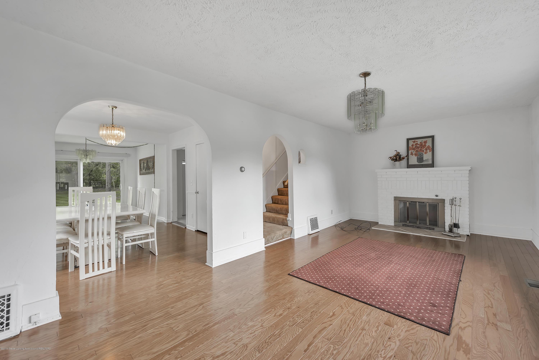 4858 Hillcrest Ave - Living Room - 20
