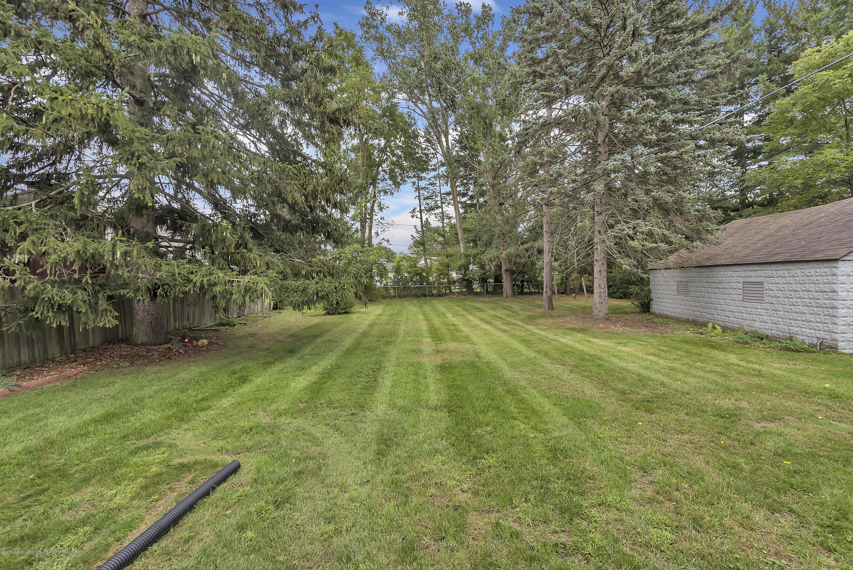 4858 Hillcrest Ave - Backyard - 27